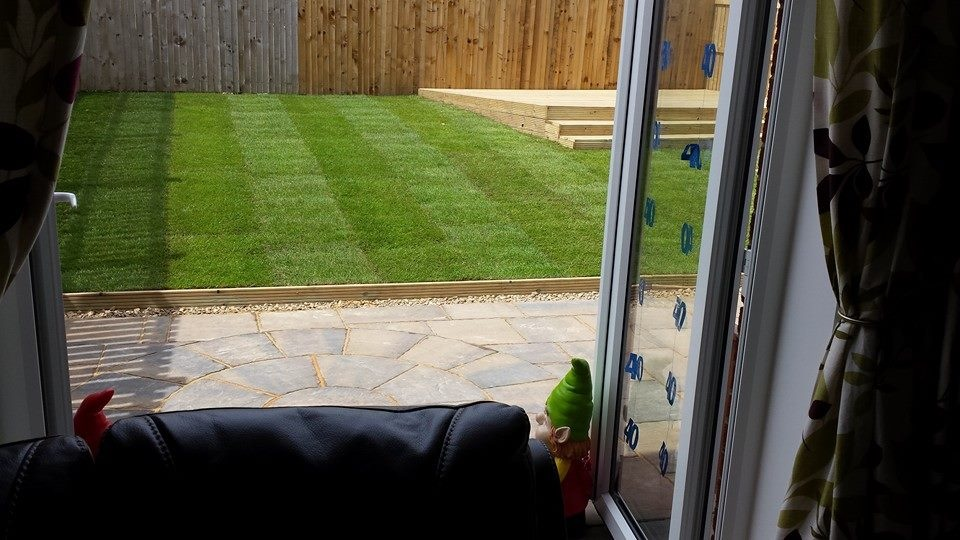 Paving in fife with turfing and decking the edinburgh for Garden decking edinburgh