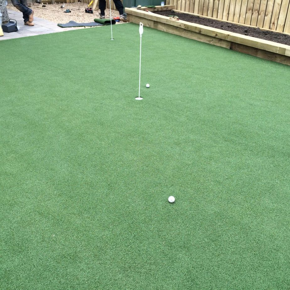 home putting green eh12